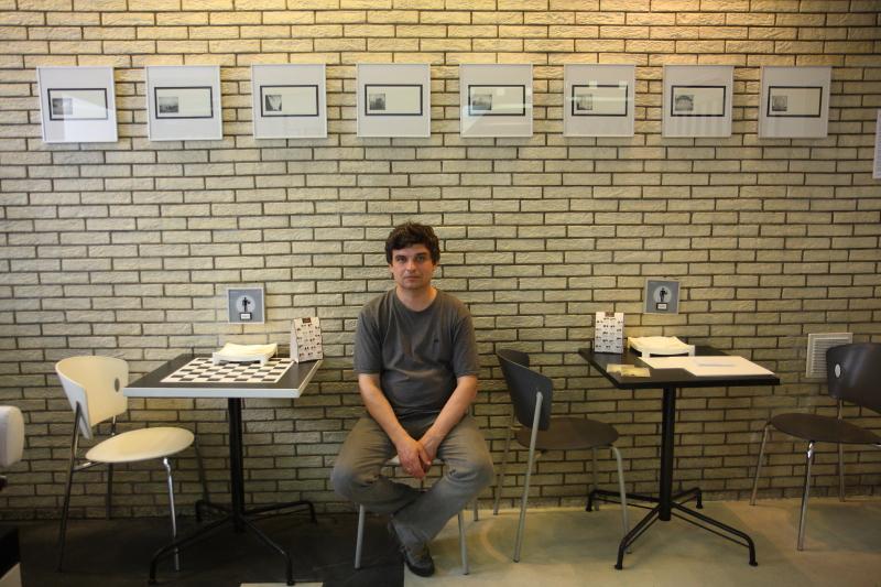 А. Ионаускас Открытие экспозиции в галерее кофейни  «Black&White»